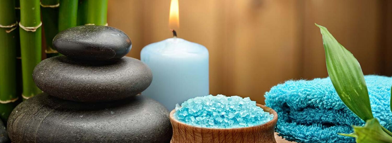 Relaxing stenen en kaars